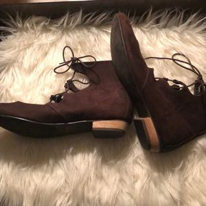 C Label Cut Out Ankle Tie Up Boots